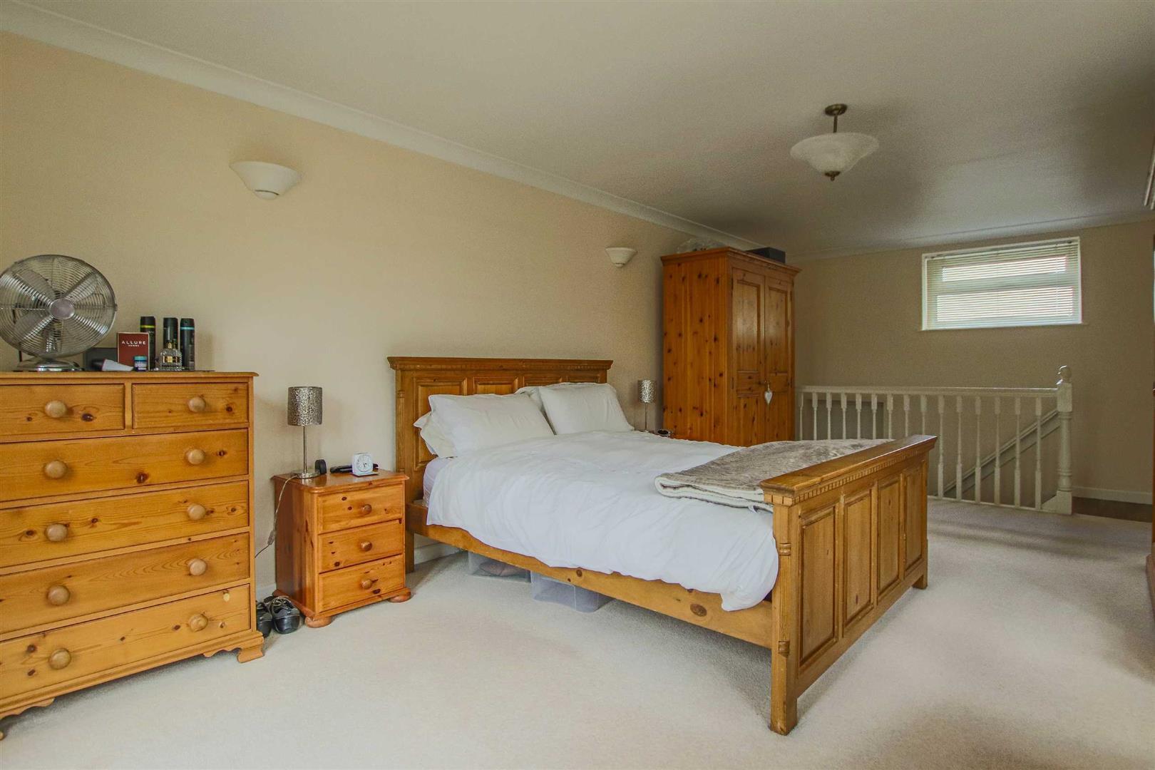 5 Bedroom Detached Bungalow For Sale - Image 35